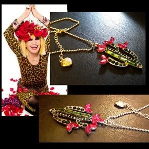 New!🌵Betsey Johnson Flowering Cactus Necklace!
